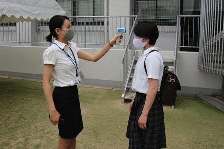 S1(中3)生徒登校 – 夙川中学校・高等学校